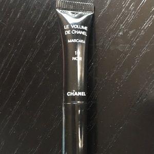 Le volume de Chanel mascara 10 noir
